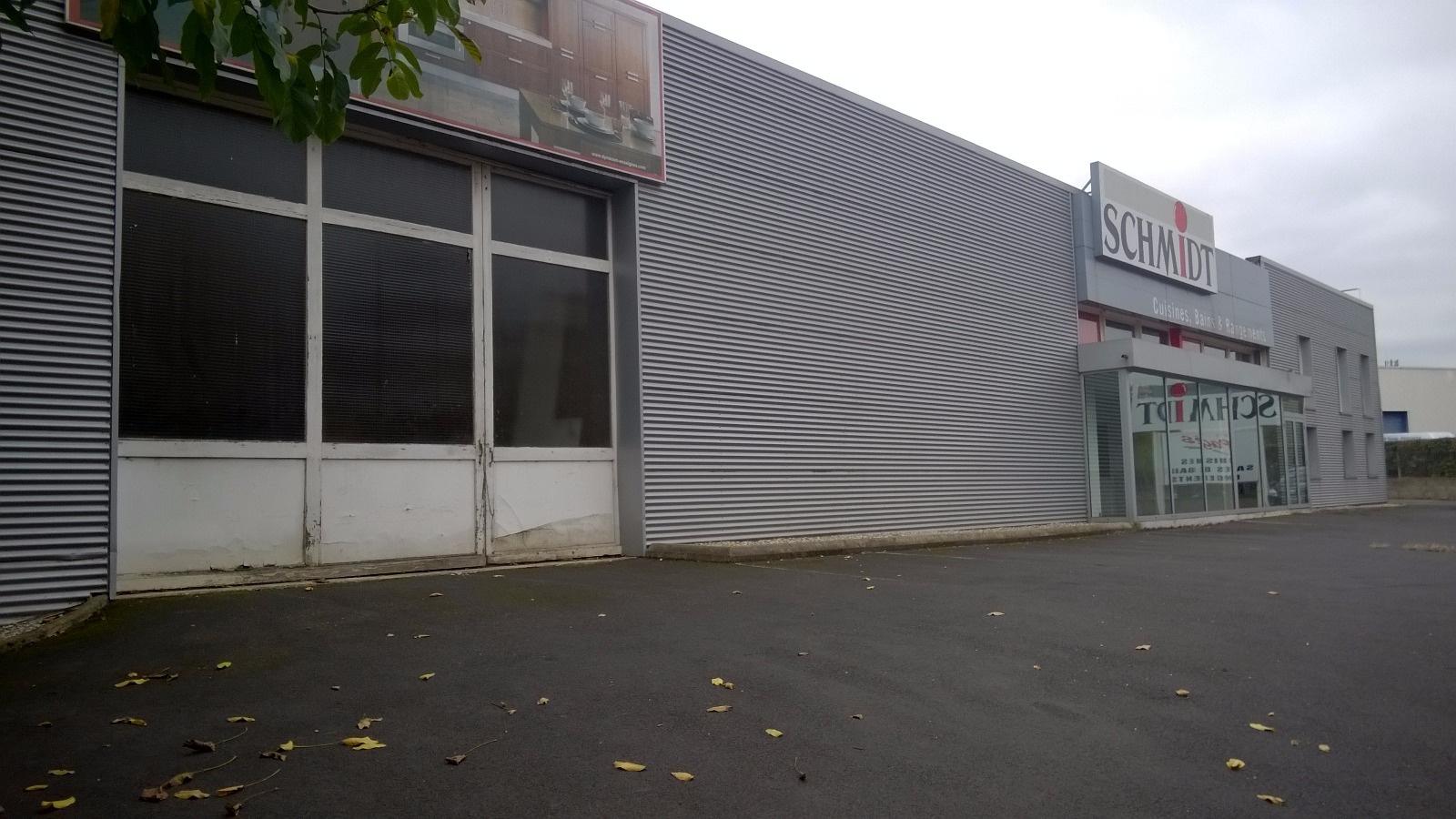 Location Immobilier Professionnel Entrepôt Brives-Charensac 43700