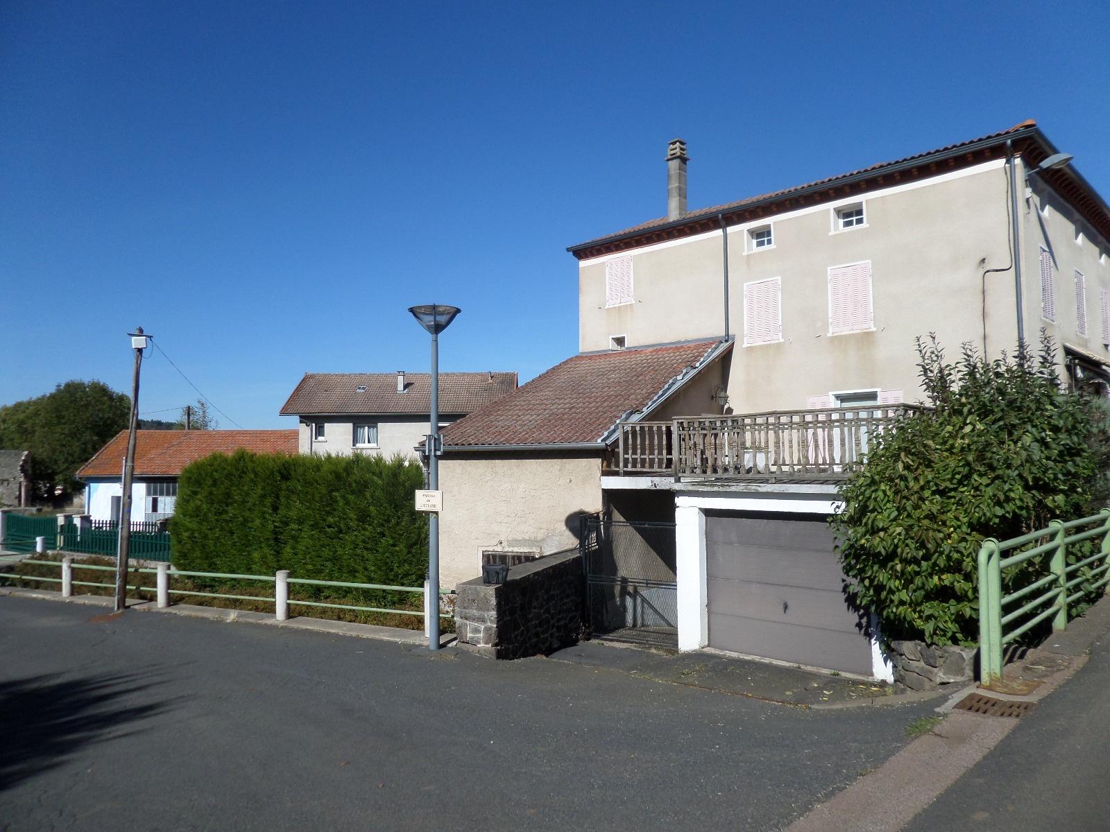 Vente ideal artisan maison de ville 4 chambres avec for Maison de l artisan